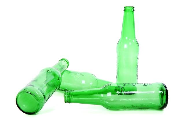 bouteilles de bière vertes